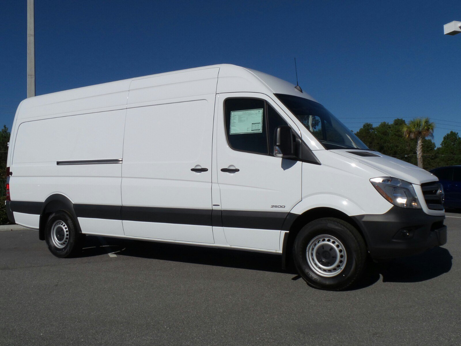 New 2016 mercedes benz sprinter cargo vans rwd 2500 170 for Mercedes benz 2500 cargo van